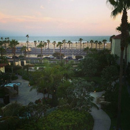 Hyatt Regency Huntington Beach Resort & Spa : View from our room