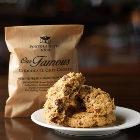 Portola Hotel & Spa at Monterey Bay: Welcome cookie