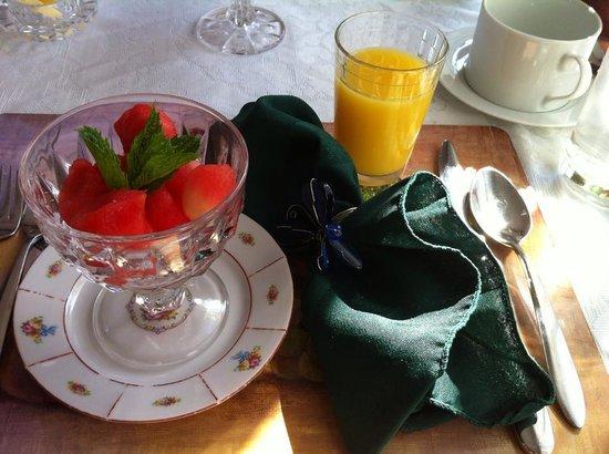 1848 Island Manor House: Breakfast fruit course... watermelon