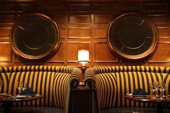Portola Hotel & Spa at Monterey Bay: Jacks Restaurant & Lounge inside the Portola Lobby