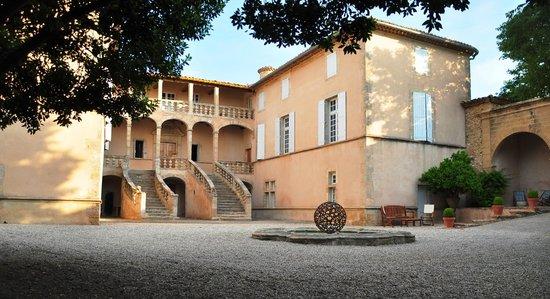 Château de Jonquières : La Cour