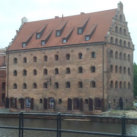Krolewski Hotel: View from across the canal