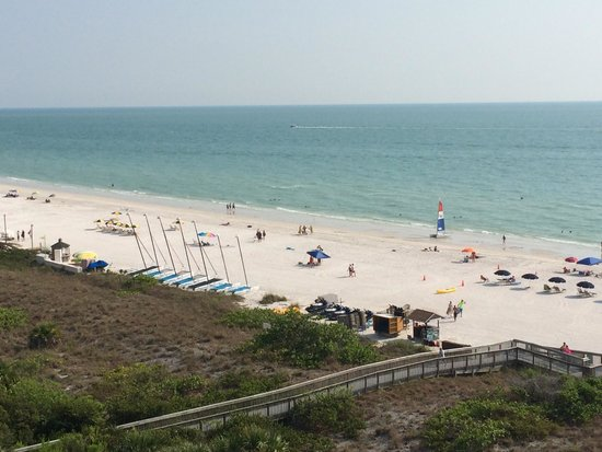 Marriott's Crystal Shores: View of the beach from balcony