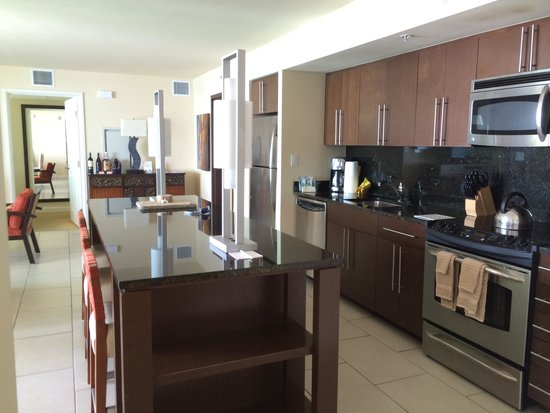 Marriott's Crystal Shores: Fully stocked Kitchen