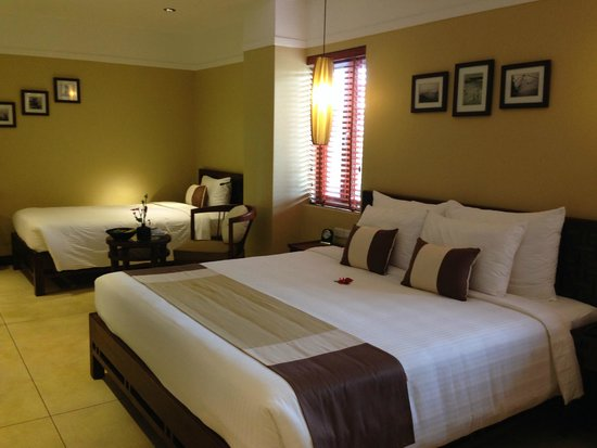 Essence Hoi An Hotel & SPA: Double bed and twin bed