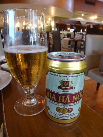 Pan Pacific Hanoi: Primer contacto con cerveza local :)