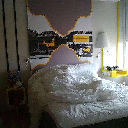 Ibis Styles Bandung Braga: Parents bed