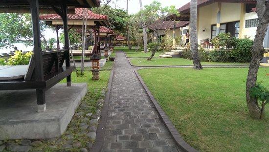 Aditya Beach Resort : Hotel Grounds