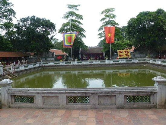 Temple de la Littérature de Hanoï : Templo de la Literatura. Interior