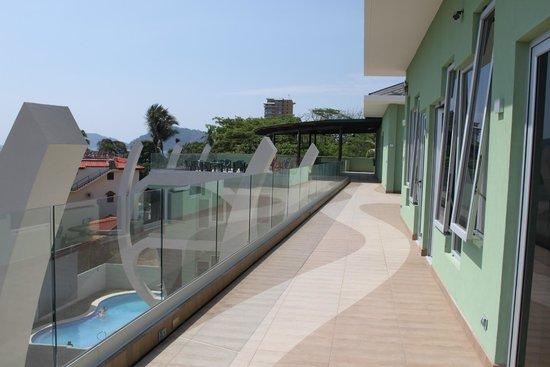 Room2Board Hostel and Surf School: R2B