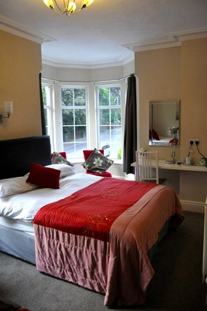 Abbey Grange Hotel: Hotel room