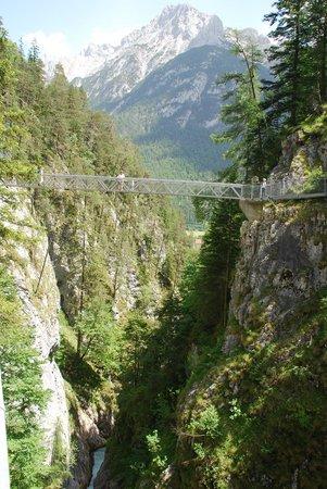 Ferienwohnungen Tiroler Alpenhof : Leutasch, Mittenwald
