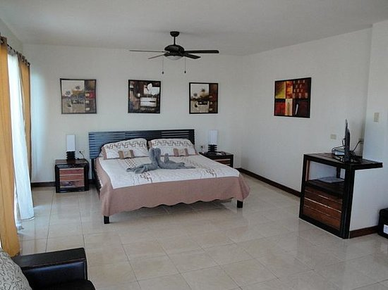 Hotel Oasis: room 8