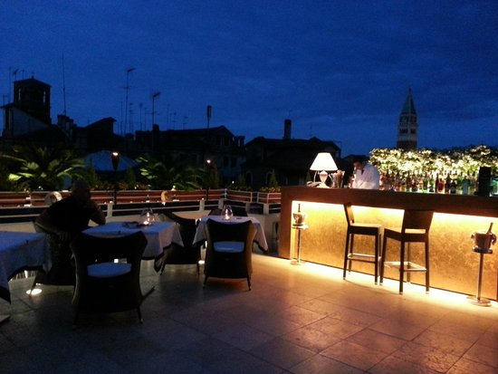 Rooftop terrace bar picture of hotel a la commedia for The terrace bar