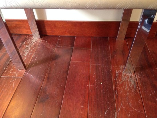 Parador de Granada: Terrible scuff marks on the floor of our room. Disgraceful at these prices!