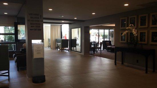 Luxe Sunset Boulevard Hotel: Hotel Hallway