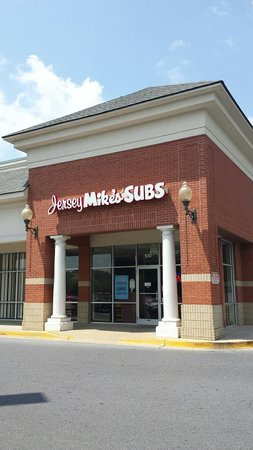 Jersey Mike's Subs: Front of building near Kroger.