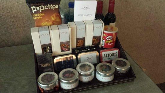 Luxe Sunset Boulevard Hotel : Snacks
