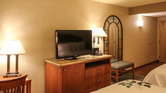 Isaac Jackson Hotel: High Definition TVs in Every Room