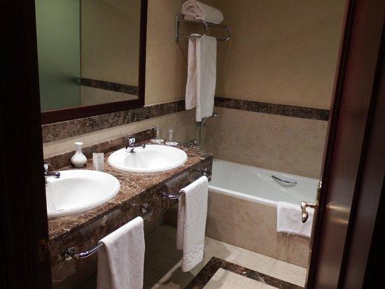 Hotel Candido: baño
