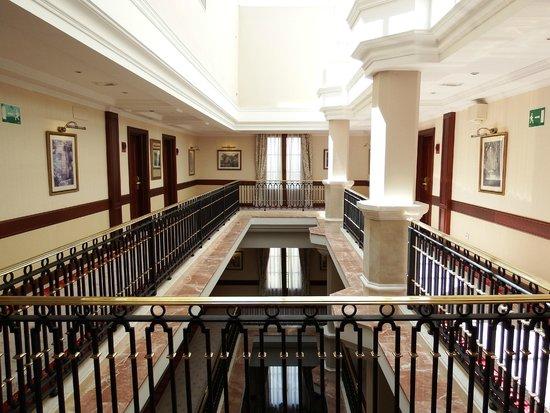 Hotel Candido: detalle pasillos
