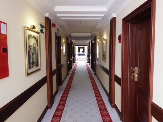 Hotel Candido: pasillos habitaciones