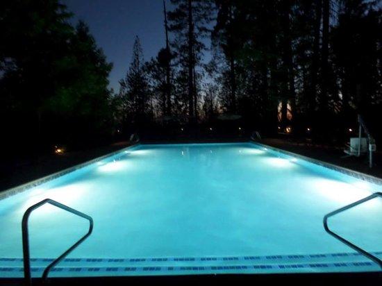 Evergreen Lodge at Yosemite: The pool