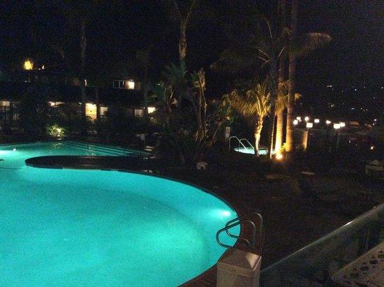 Best Western Plus Island Palms Hotel & Marina: Late dinner overlooking pool