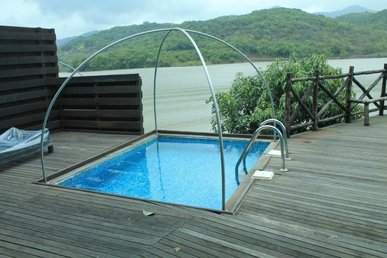 Aamby Valley City : Cabanas with the view of the lake