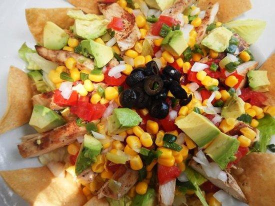 Marina Paraiso: Barlito's taco salad