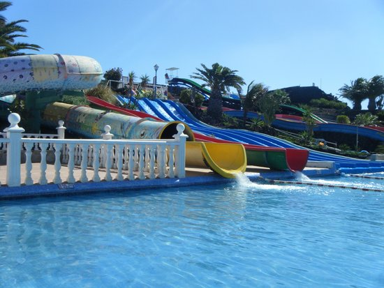 Aquapark Costa Teguise : A couple of slides