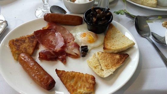 Millbrook Lodge Hotel: morning fry