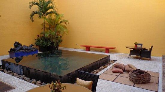 Villa Azalea - Luxury B&B: Alberca interior