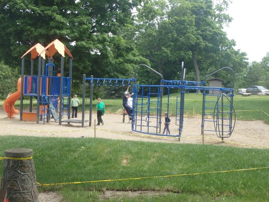 Orillia, Kanada: New Park kids loved it.