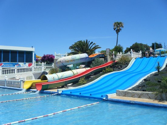 Aquapark Costa Teguise : The three slides restricted to young children only. No adults!