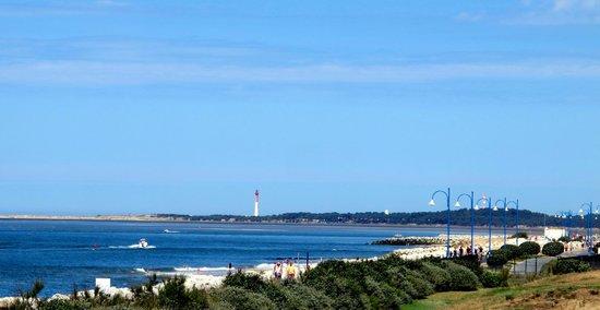 Club Med La Palmyre Atlantique : Vue sur le phare de Royan depuis le club