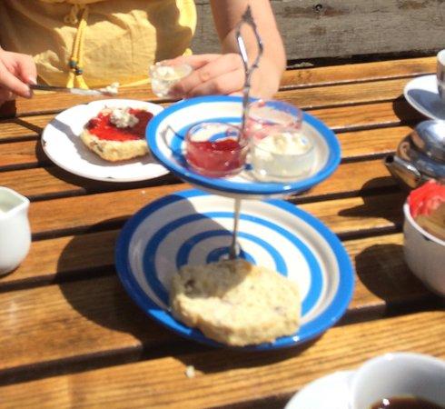 Old Schoolhouse Tearoom: Cream Tea