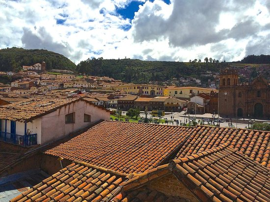 Plaza de Armas Cusco Hotel: Rooftops with view of Plaza and Cathedral