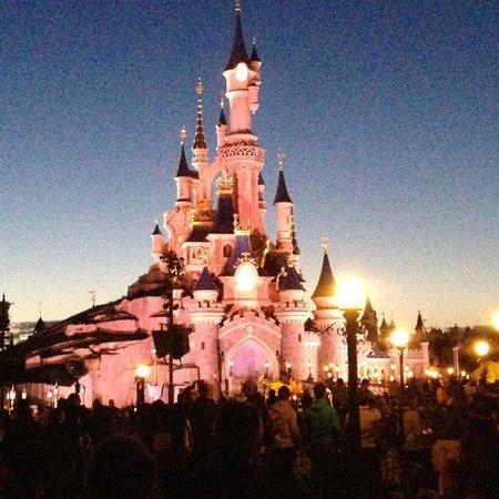 Disneyland Hotel: Magical