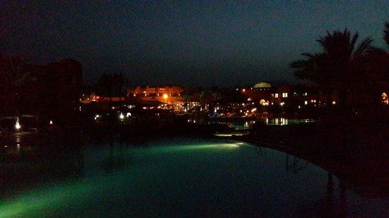 Caribbean World Resorts Soma Bay : Ночной вид
