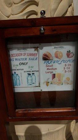 Caribbean World Resorts Soma Bay : Цены на воду и сок. Но в колесах очень просто и легко,а главное бесплатно ,можно набрать воду.
