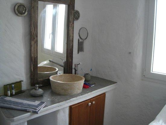 Delmar Apartments & Suites: bathroom 1