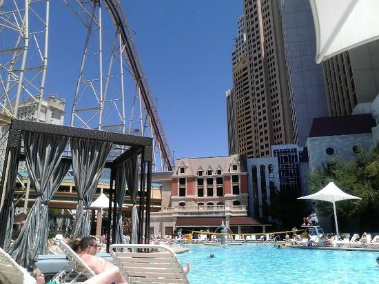 New York - New York Hotel and Casino: Sitting pool right under the roller coaster