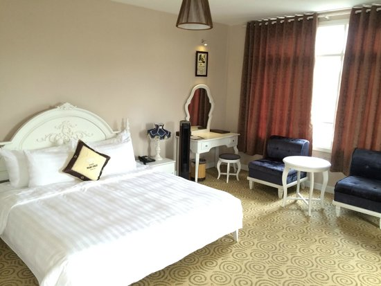 Ngoc Phat Hotel: Deluxe Double