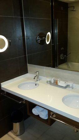 Radisson Blu Resort, Malta St Julian's: Bathroom