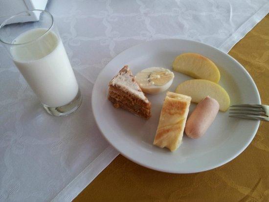 Tourist Hotel : Завтрак