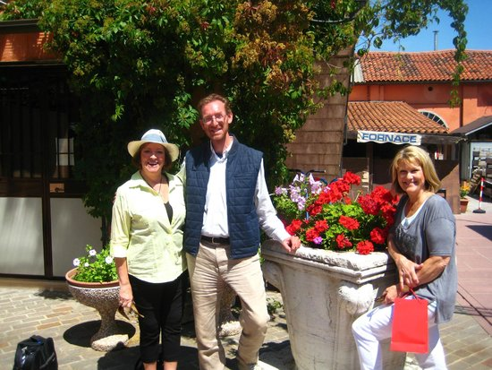 Tour Leader Venice: ....Alessandro with our group in Murano / Burano