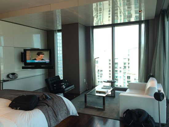 Hotel Beaux Arts Miami : View of the bedroom