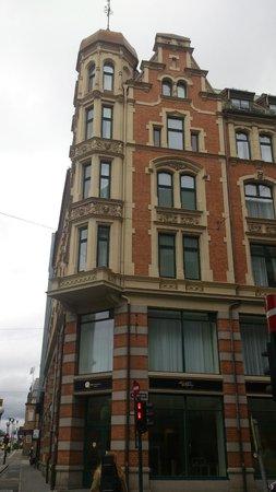 Saga Poshtel Oslo Central: look of the hostel from the street