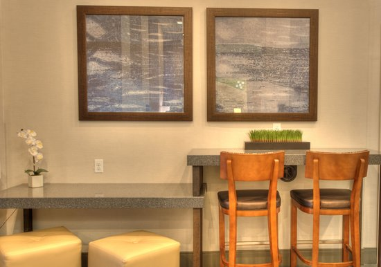 Holiday Inn NYC - Manhattan 6th Avenue - Chelsea: Experience our renovated lobby!